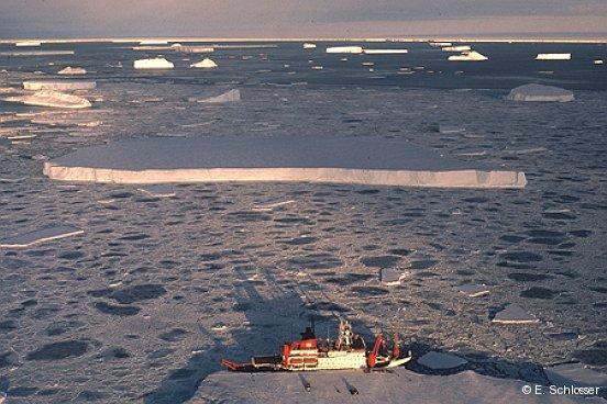 RV Polarstern at Aklestad Inlet 1990, Antarctica